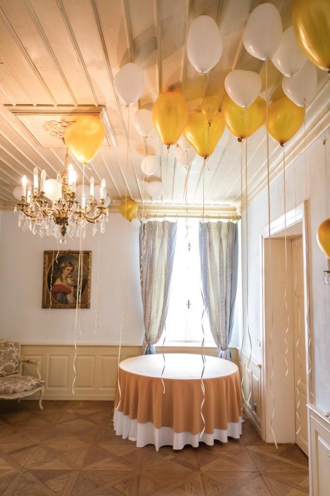 Svatební párty na zámku v Chateau Trnová