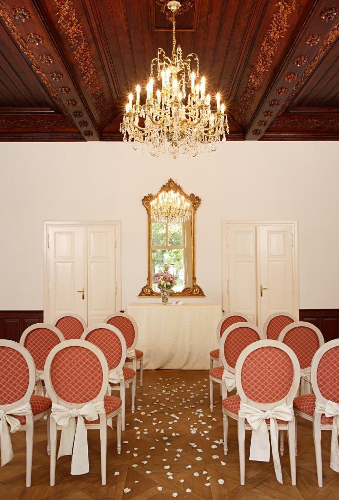 Obřadní síň - Svatba v Chateau Trnová