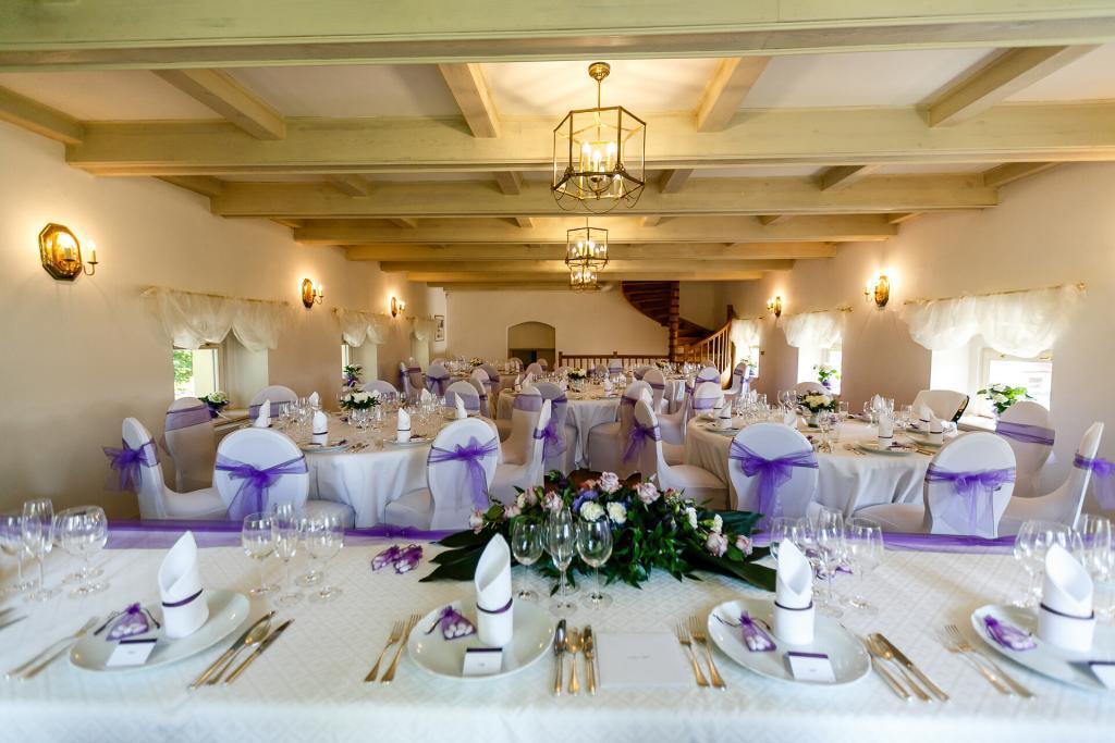 Svatební hostina na zámku v Chateau Trnová
