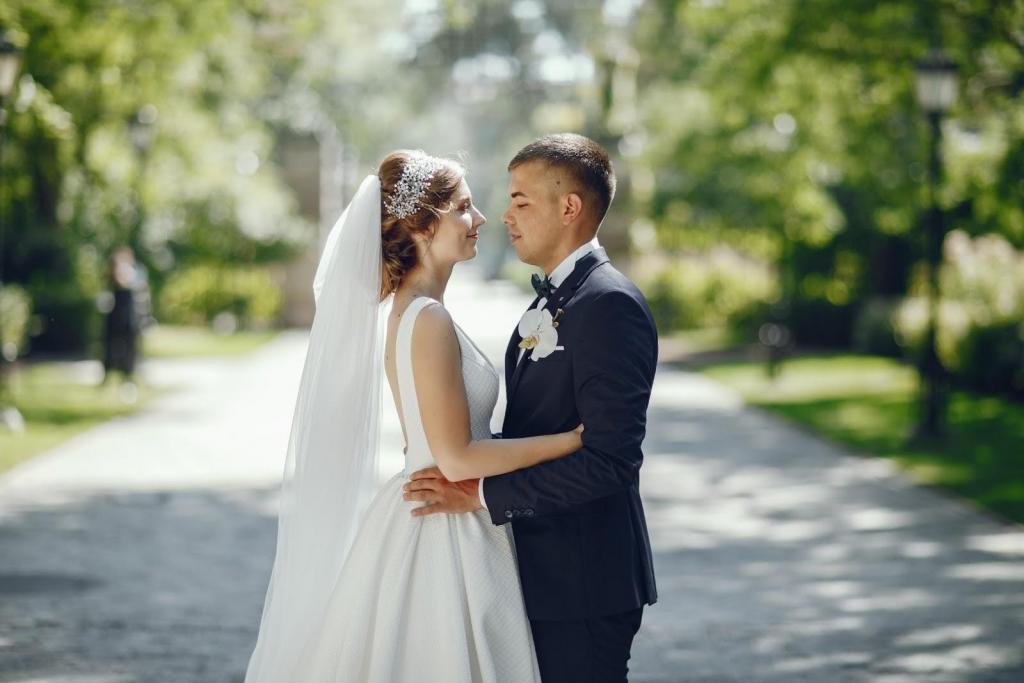 Svatební pár - Svatba v Chateau Trnová, svatba na zámku