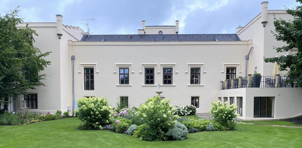 Chateau Trnová - Chateau nær Prag